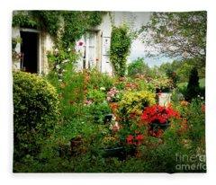 French Cottage Garden Fleece Blanket