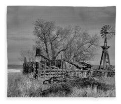 High Plains Wind Fleece Blanket