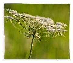 Lacy White Flower Fleece Blanket