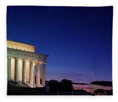 Lincoln Memorial At Sunset Fleece Blanket