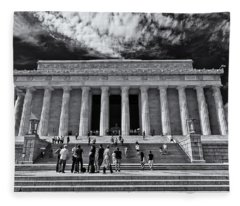 Lincoln Memorial In Black And White Fleece Blanket