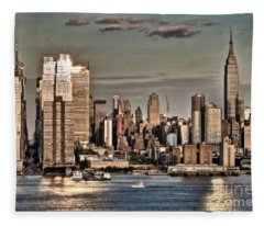 Nyc Skyline Fleece Blanket