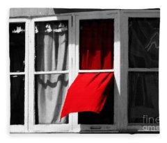 Red Wave Fleece Blanket