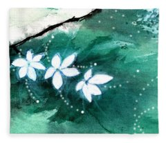 White Flowers Fleece Blanket