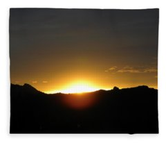 Sunrise West Side Of Rmnp Co Fleece Blanket