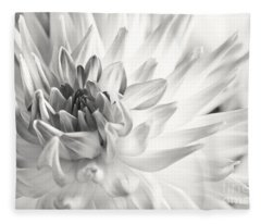 Dahlia Fleece Blanket