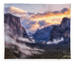 Daybreak Over Yosemite Fleece Blanket