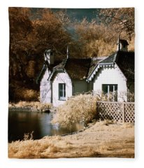 Duck Island Cottage Fleece Blanket
