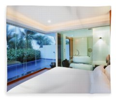 Luxury Bedroom Fleece Blanket