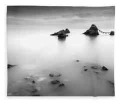 Meoto Iwa Fleece Blanket