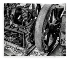 Novo Antique Gas Engine Fleece Blanket