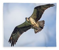 Osprey With Catch Fleece Blanket