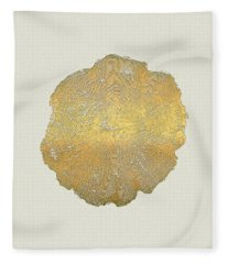 Rings Of A Tree Trunk Cross-section In Gold On Linen  Fleece Blanket