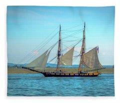 Us Brig Niagara Fleece Blanket