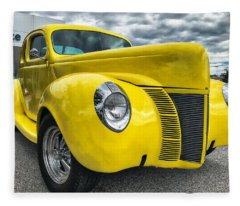 1940 Ford Deluxe Coupe Fleece Blanket