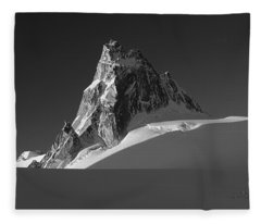 1m2716-bw Sunrise On Pigeon Spire Fleece Blanket