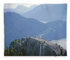 1m2918 South Summit Stawamus Chief From Second Summit Fleece Blanket
