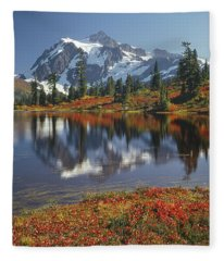 1m4208 Mt. Shuksan And Picture Lake Fleece Blanket