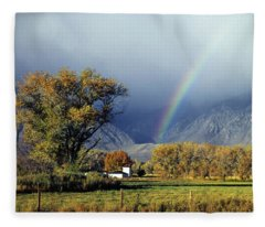 1m6345 Rainbow In Sierras Fleece Blanket