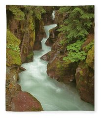 1m8115 Avalanche Gorge Mt Fleece Blanket