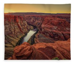 Horseshoe Band Fleece Blanket