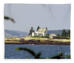 2015 Winter Harbor Light Fleece Blanket