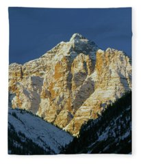 210418 Pyramid Peak Fleece Blanket