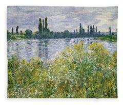 Banks Of The Seine, Vetheuil Fleece Blanket