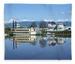 3b6380 Petaluma Queen Riverboat Fleece Blanket