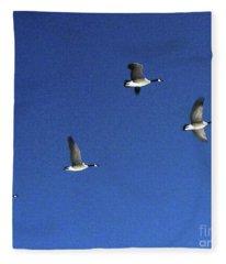 4 Geese In Flight Fleece Blanket