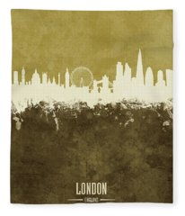 London England Skyline Fleece Blanket