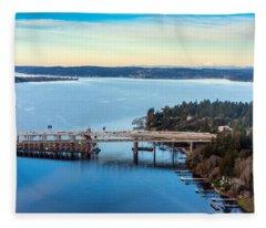 520 Bridge And Mount Baker Fleece Blanket