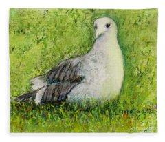 A Gull On The Grass Fleece Blanket