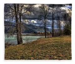 A Pend D'oreille Lake Fall Fleece Blanket