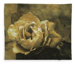 Vintage Effect Rose Fleece Blanket