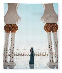 Abu Dhabi Mosque Fleece Blanket