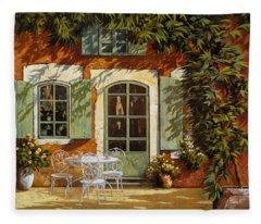 Al Fresco In Cortile Fleece Blanket