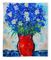 Albastrele Blue Flowers And Daisies Fleece Blanket