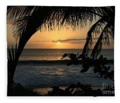 Aloha Aina The Beloved Land - Sunset Kamaole Beach Kihei Maui Hawaii Fleece Blanket