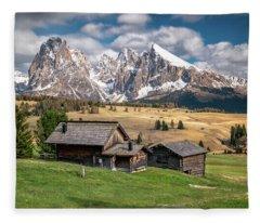 Alpe Di Suisi Cabin Fleece Blanket
