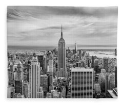 Amazing Manhattan Bw Fleece Blanket