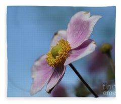 Anemone Tomentosa Flower Fleece Blanket