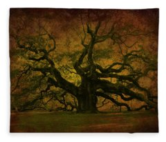 Angel Oak 3 Charleston Fleece Blanket