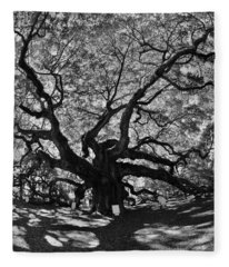 Angel Oak Johns Island Black And White Fleece Blanket