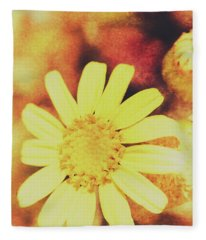 Antique Daisy Field Fleece Blanket