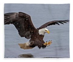 Bald Eagle Diving For Fish In Falling Snow Fleece Blanket