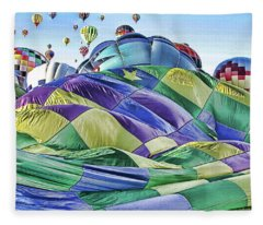 Ballooning Waves Fleece Blanket