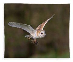 Barn Owl With Vole Fleece Blanket