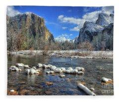 Best Valley View Yosemite National Park Image Fleece Blanket