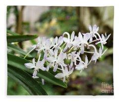 Blooming White Flower Spike Fleece Blanket